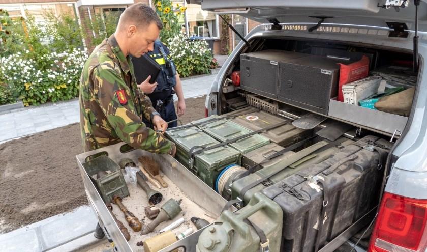 • De munitie wordt ingeladen en even later tot ontploffing gebracht.