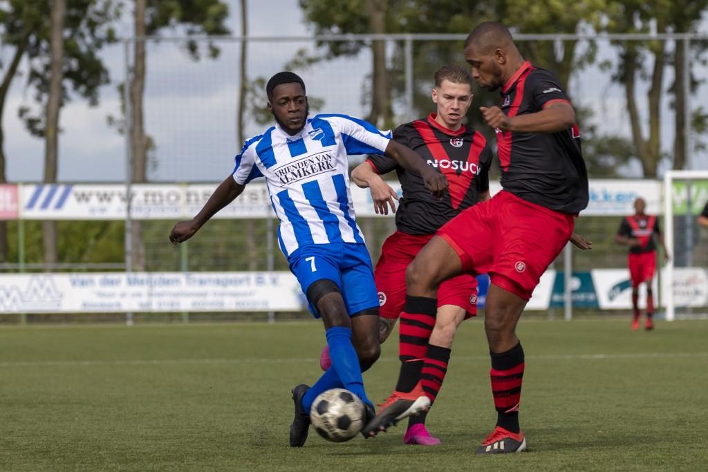 • Almkerk - Papendrecht (1-0).  © regiosport