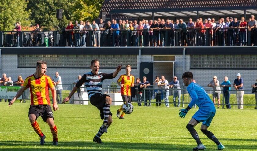 • Rozenburg - De Zwerver (2-1).