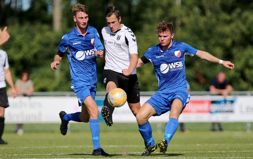 • Asperen - Hardinxveld (3-1). Jeroen de Bruin / DBRN Fotografie © regiosport