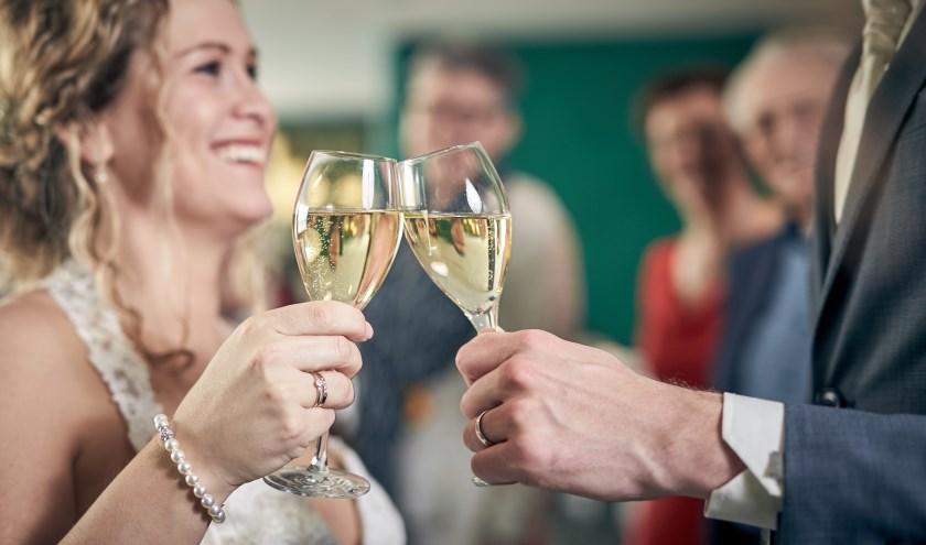 • Gratis bubbels op de bruidsbeurs.