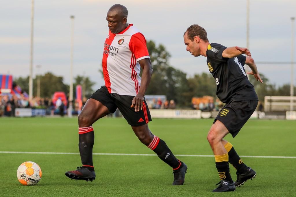 • SV Meerkerk - oud-Feyenoord (3-4). Foto: Rick den Besten - Regio-Voetbal © Alblasserwaard