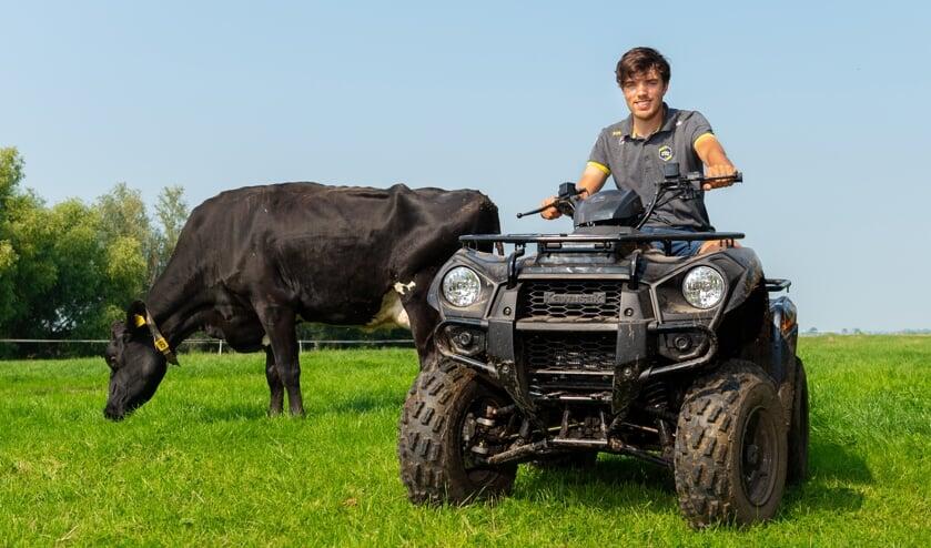 • Patrick Roest geniet thuis op de boerderij.