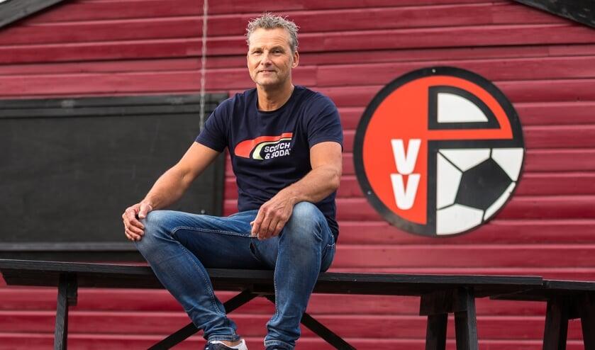 <p>&bull; Papendrecht-trainer Johan Sturrus.</p>