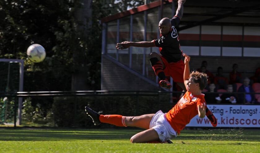 • Papendrecht - Oranje Wit (3-0).