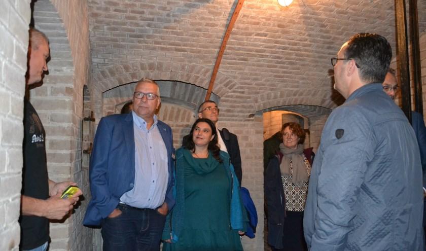 • Voor de historische vergadering werden de raadsleden rondgeleid in Fort Everdingen.