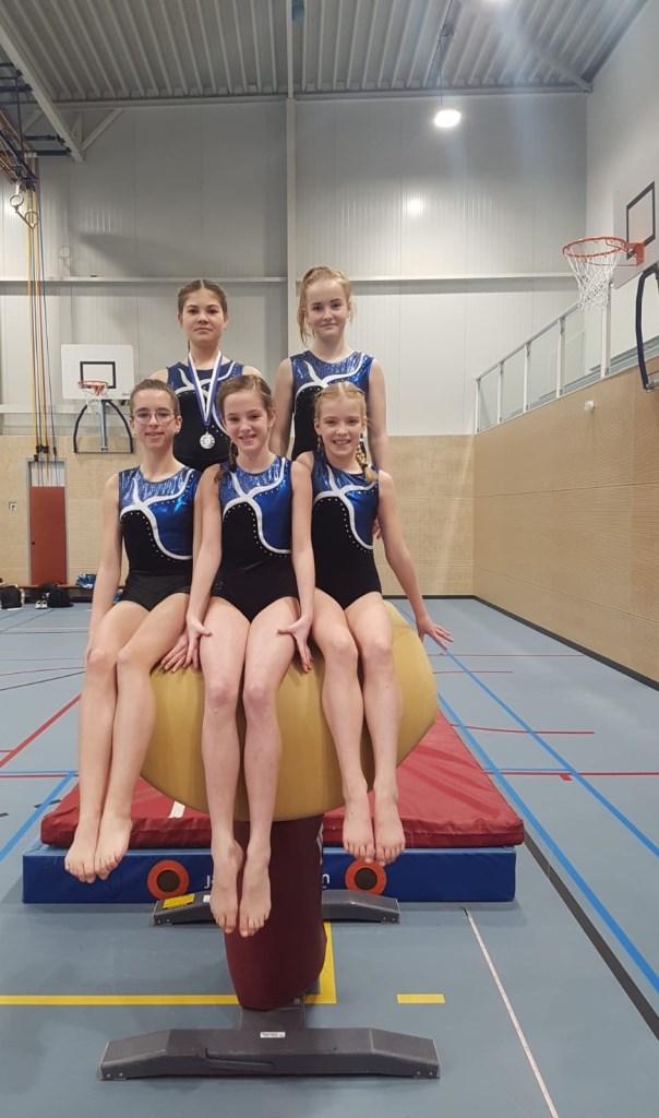 Isa, Emmelie, Esther, Anouk en Lieve.  © Heusden en Altena
