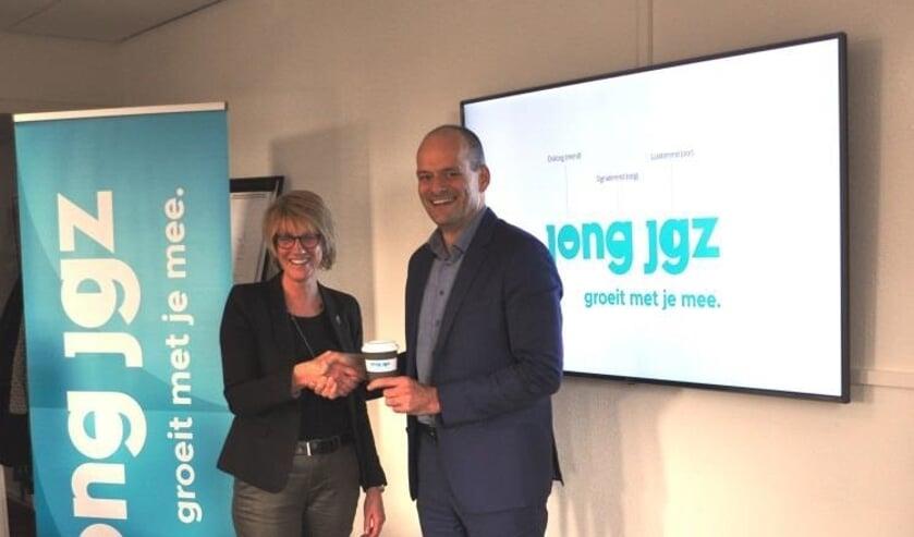 • Manon Arts, directeur Jong JGZ / Rik van der Linden, vertegenwoordiger van alle wethouders Jeugd in Zuid-Holland Zuid.