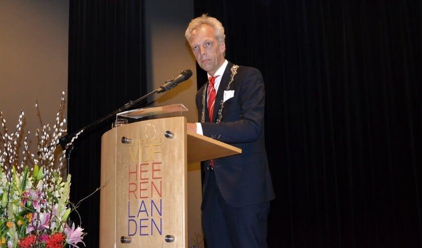 • Sjors Fröhlich, burgemeester van Vijfheerenlanden.