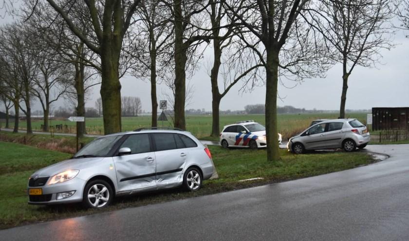 • Een van de auto's raakte een elektriciteitskast.
