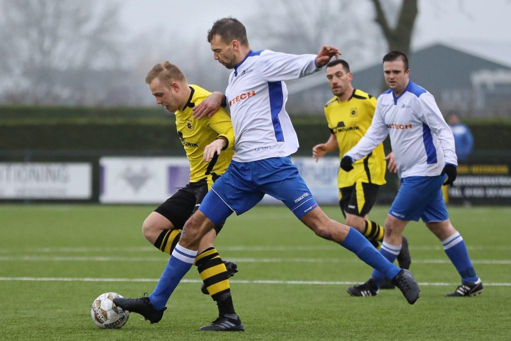 • Ameide - Groot-Ammers (0-0). Foto: Rick den Besten - Regio-Voetbal © regiosport