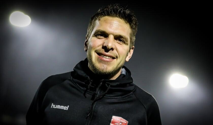 • Michel Roza is per direct weg als hoofdtrainer van Peursum.