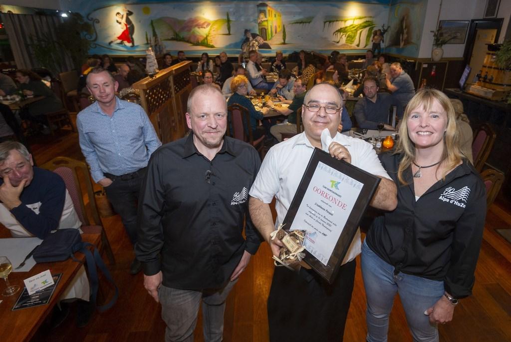 • Blijk van waardering voor deelname Pampas (Krimpen aan den IJssel) aan restaurantactie. Foto: wijntjesfotografie.nl © Krimpenerwaard