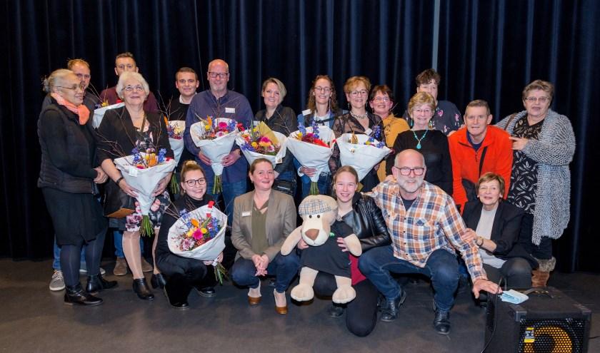 • De genomineerden en de winnaars van de Publieksprijs Inwonersinitiatieven 2019 met wethouder Christa Hendriksen