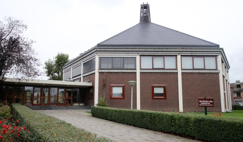 • Meer dan 200 gemeenteleden zaten zondag in de Mieraskerk. De kerk telt ruim 1.600 zitplaatsen.