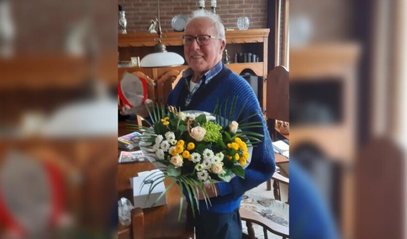 <p>&bull; Jan Moerings, 60 jaar lid van De Snoek.</p>