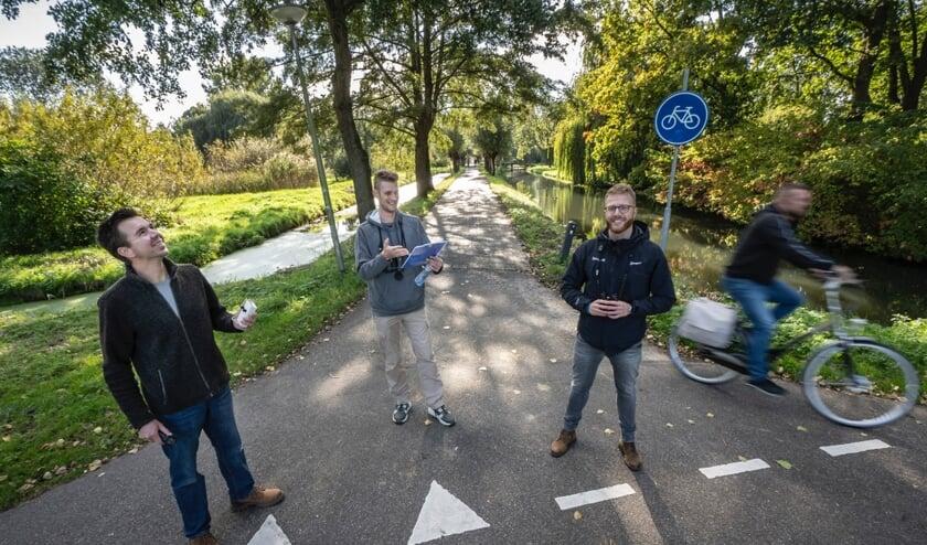 <p>&bull; Tim Breur, Nieck Alderliesten en Albert de Jong gaan cursussen over de natuur verzorgen.</p>
