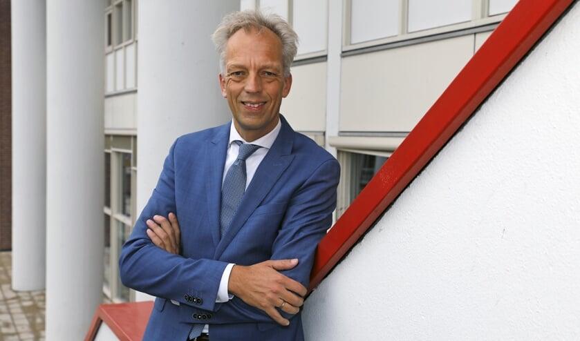 <p>&bull; Sjors Fr&ouml;hlich, burgemeester van Vijfheerenlanden.</p>