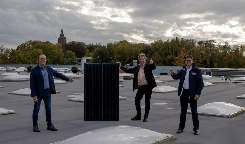 • Estéban van Zeijl, duurzaamheidsmanager Hermeta, Gerlach Velthoven, voorzitter Duurzaam West Betuwe, Marcel van der Sluijs, directeur Hermeta.