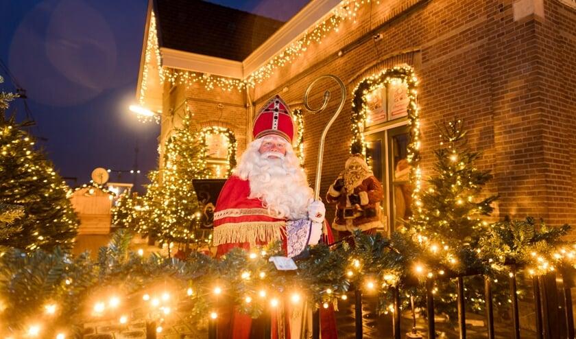 • Sinterklaas op bezoek bij The Christmas Station in Arkel.