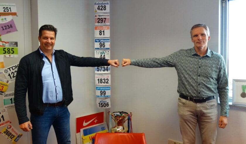 • Bram Visser (links) bezocht Barend den Ouden van Pro'mes Event Supplies.