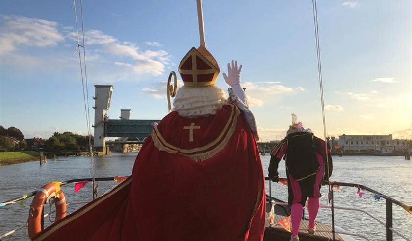 • Sinterklaas op de Bornrif vlakbij Krimpen aan den IJssel.
