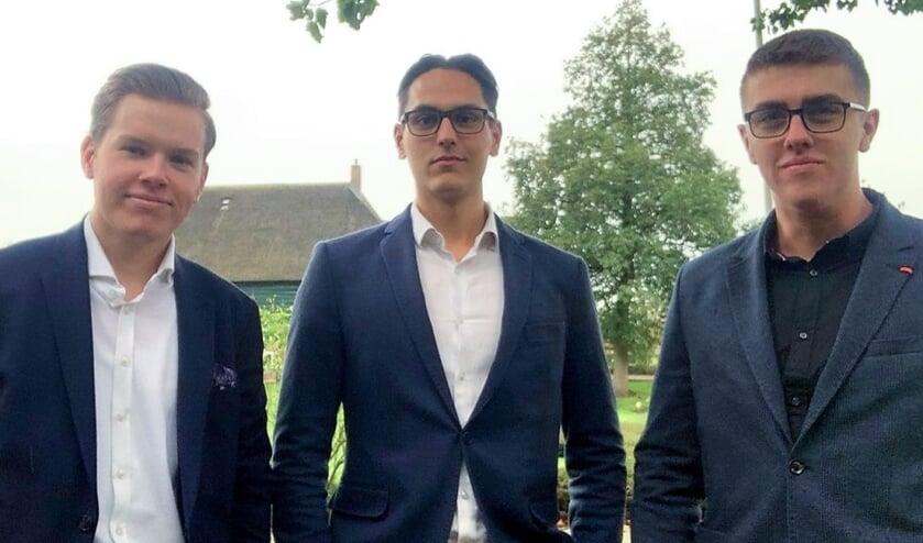 <p>&bull; Max (links) met zijn compagnons Alec en Bram.</p>
