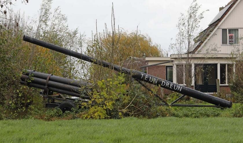 <p>&bull; E&eacute;n van de &#39;bouwsels&#39; die bij een vorige editie van het carbidschieten in Goudriaan en Ottoland werd gebruikt.</p>