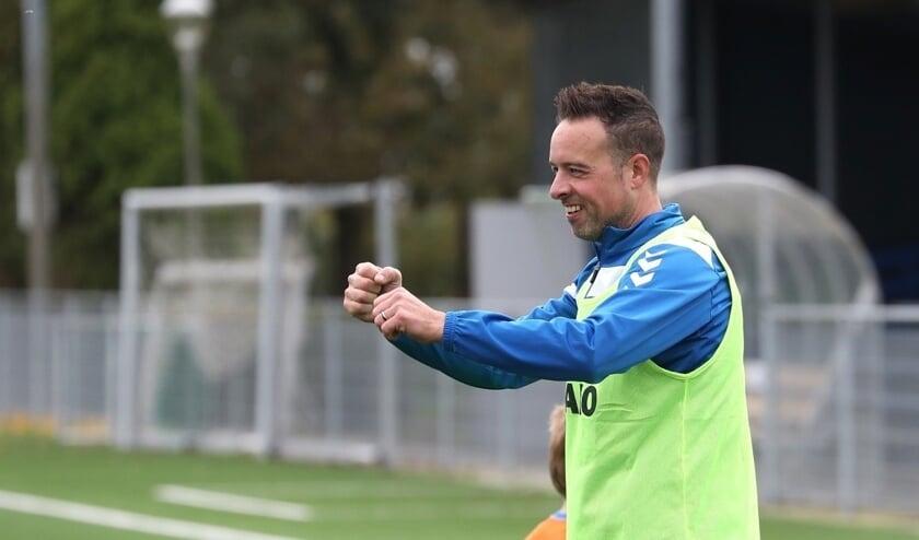 <p>• De nieuwe Lekvogels-trainer Martijn Verkerk.</p>