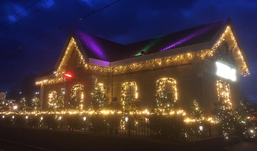 Ook het station van Arkel is mooi verlicht.