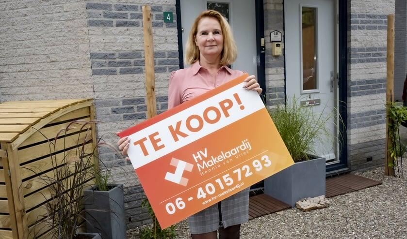 • Hennie van Vliet van HV-Makelaardij.