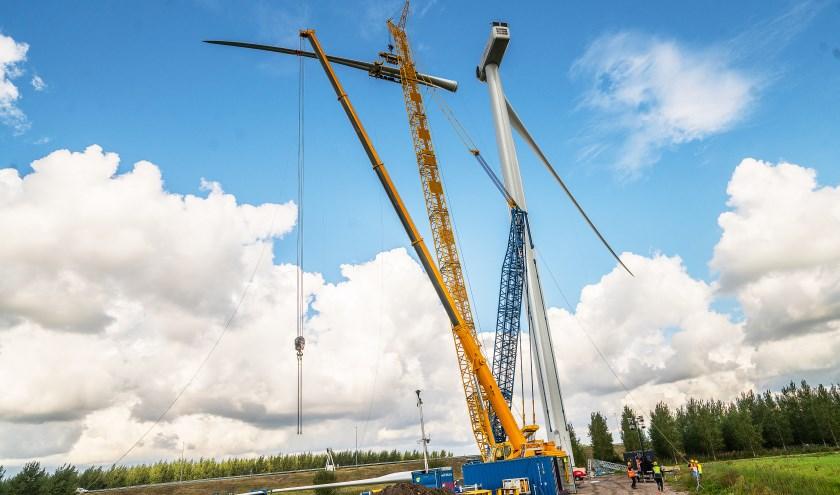 • De aanlegvan de windmolens in Hagestein.