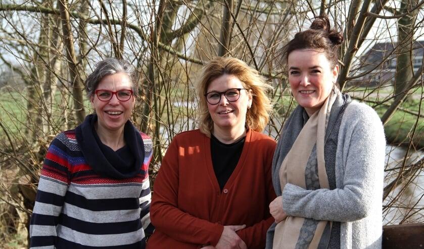 • Vlnr: Nelie, Angelique en Lianne.