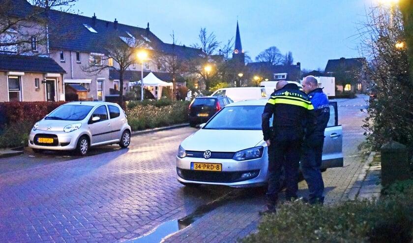 De straat is afgezet door de politie voor verder onderzoek.