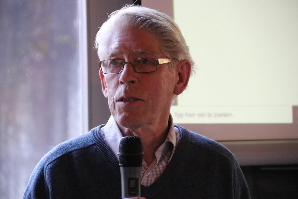 • Gerard Walraven van stichting Vitaal Dorp Everdingen vertelde imponerende geschiedenis van het inwonersinitiatief in het Lekdorp. Foto: Dick Aanen © Vianen