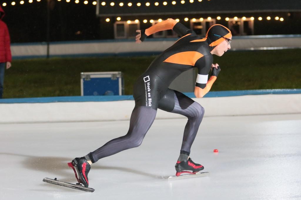 • De start van Colin Schrijver op de 500 meter. Foto: Sportfoto's - Rina Schrijver © Alblasserwaard