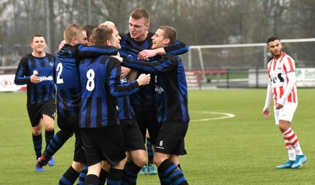 • SVW - Streefkerk (0-1). Foto: Cora Stout - vv Streefkerk © regiosport