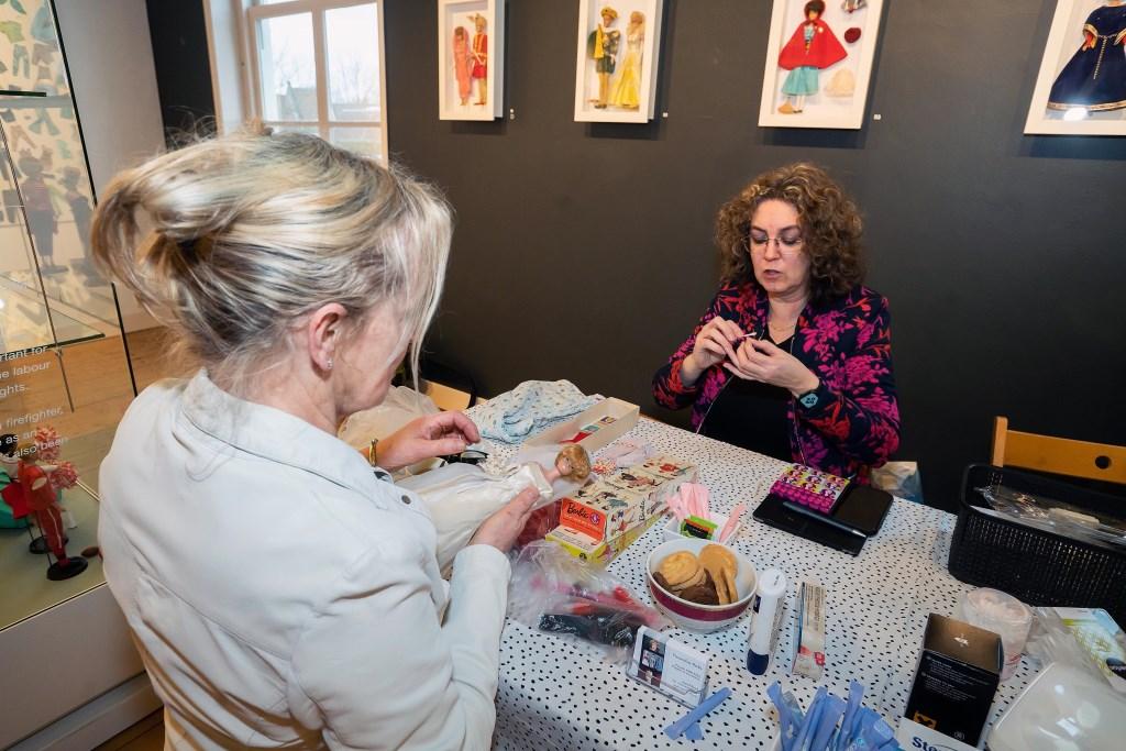 Barbie Spa in Stedelijk Museum Vianen Foto: Nico Van Ganzewinkel © Vianen