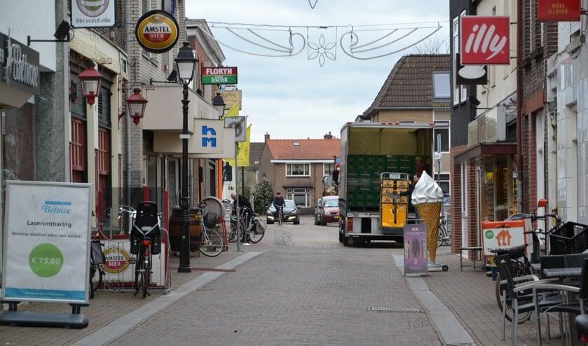 • De gemeente wil de binnenstad autoluw maken.