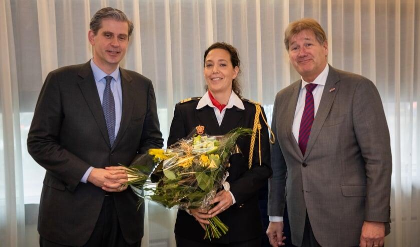 • Caren Frentz temidden van Wouter Kolff (links) en Rob Brons.