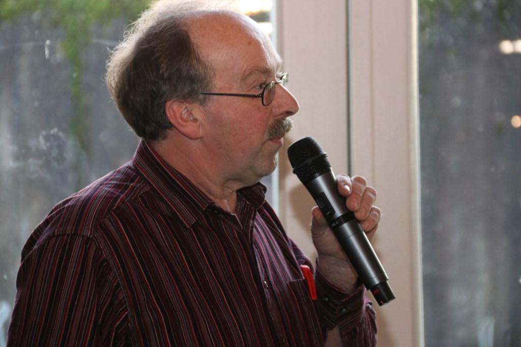 • Peter ten Have van stichting Vitaal Dorp Everdingen vertelde over de duurzame plannen in het dorp.  Foto: Dick Aanen © Vianen