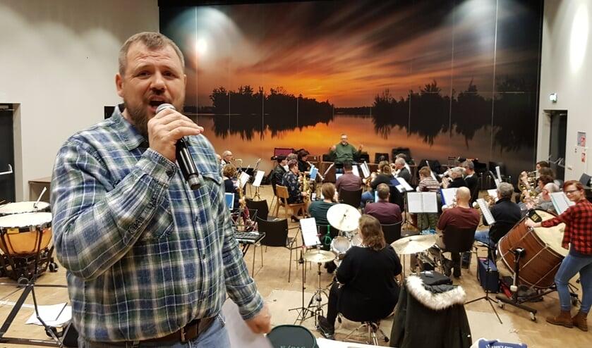 • Krisztian Szabo, een van de zangers.