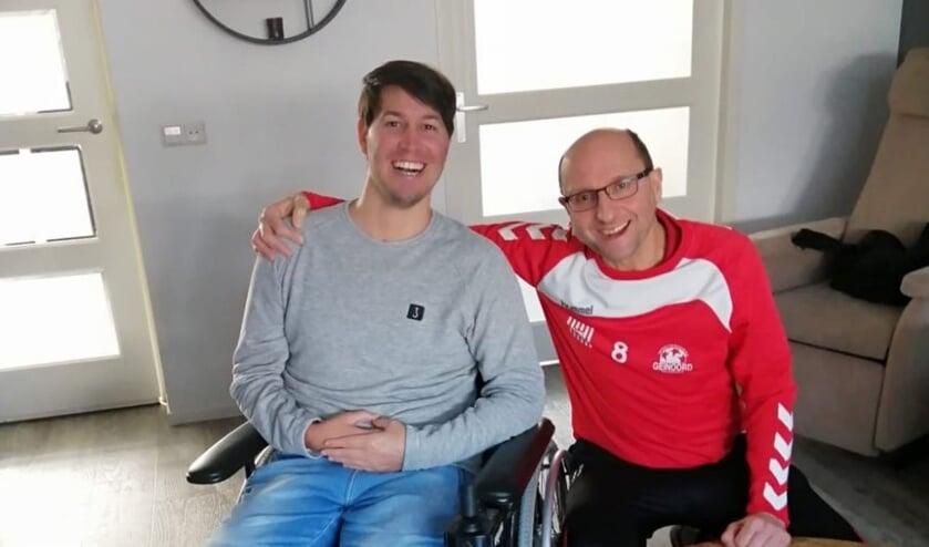 • Bastiaan Manschot (r) met Joey Snijders.