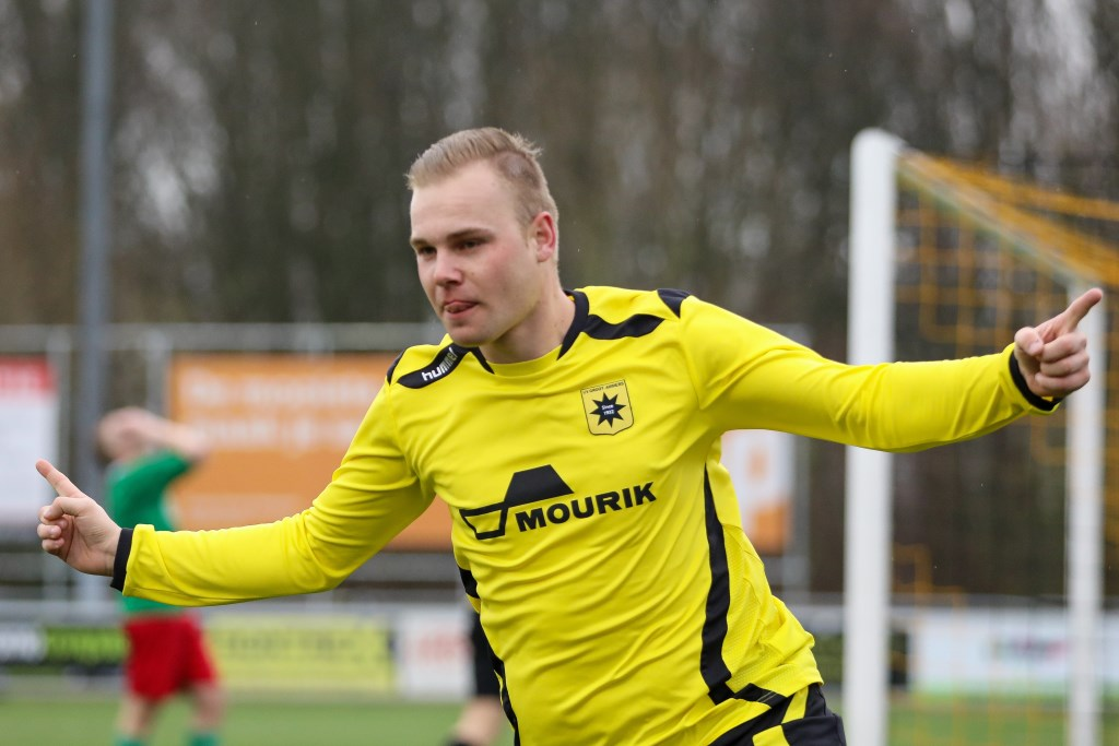 • Groot-Ammers - De Alblas (2-0). Foto: Rick den Besten - Regio-Voetbal © regiosport