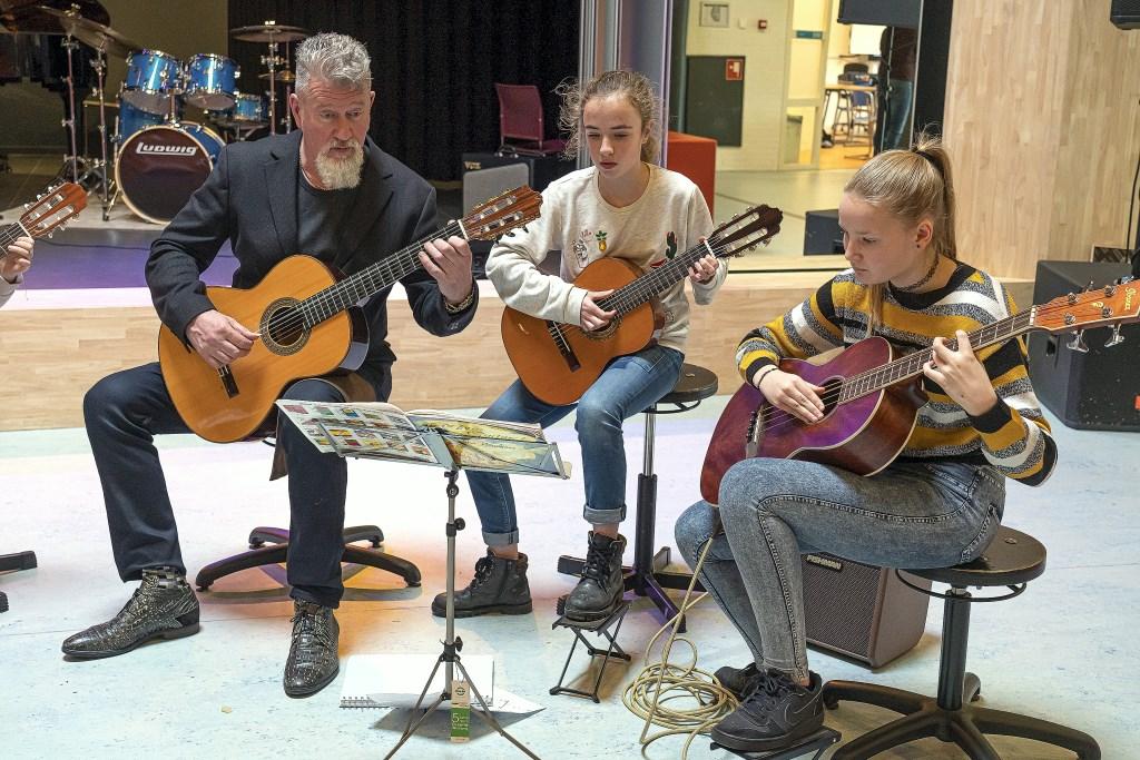 Open dag Muziekschool Vijfheerenlanden Foto: Nico Van Ganzewinkel © Vianen