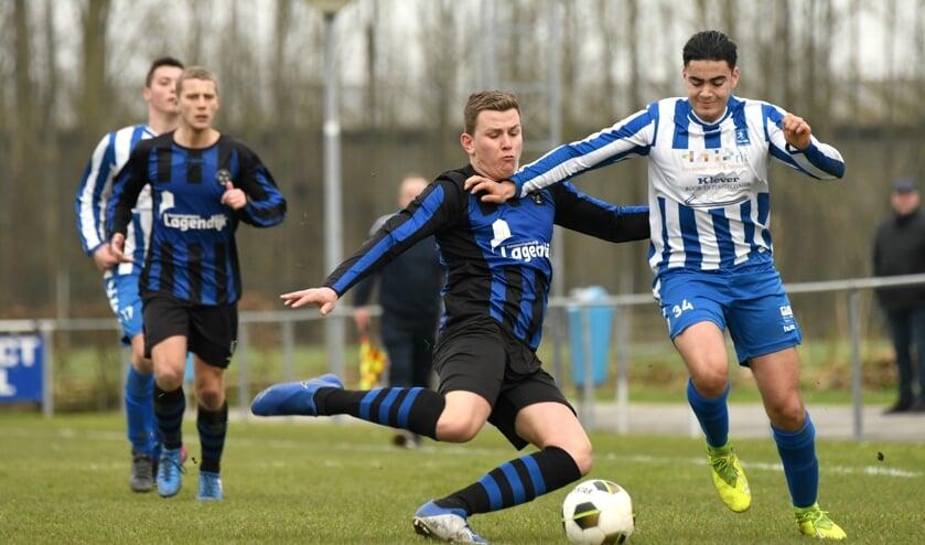 • SV Lopik - Streefkerk (0-0).