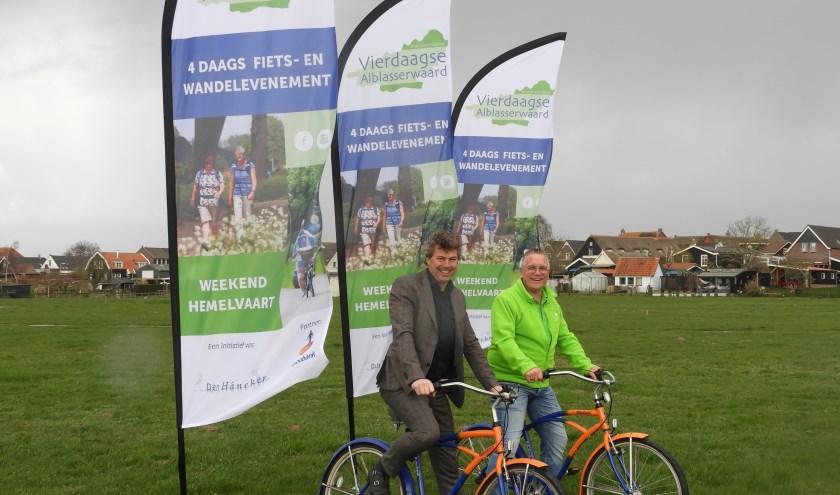 • Roelf Polman (directievoorzitter Rabobank Lek en Merwede) en Kees Commijs (voorzitter Den Hâneker).