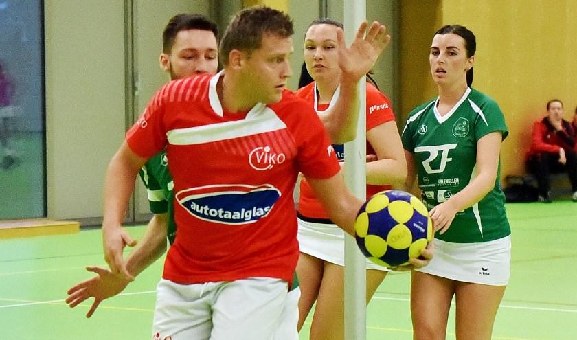 • Marcel Hijnen scoorde vijf keer voor VIKO.