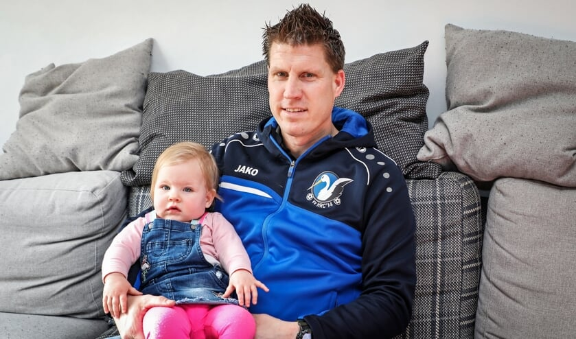• Patrick Jansen met zijn jongste dochtertje.