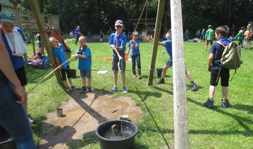 • De scouts kunnen elkaar nu niet live ontmoeten, maar online is er wel een scoutingprogramma.